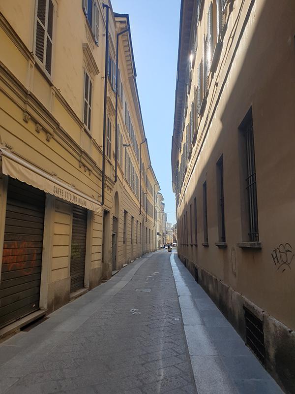 Et bilde fra en gate i pavia