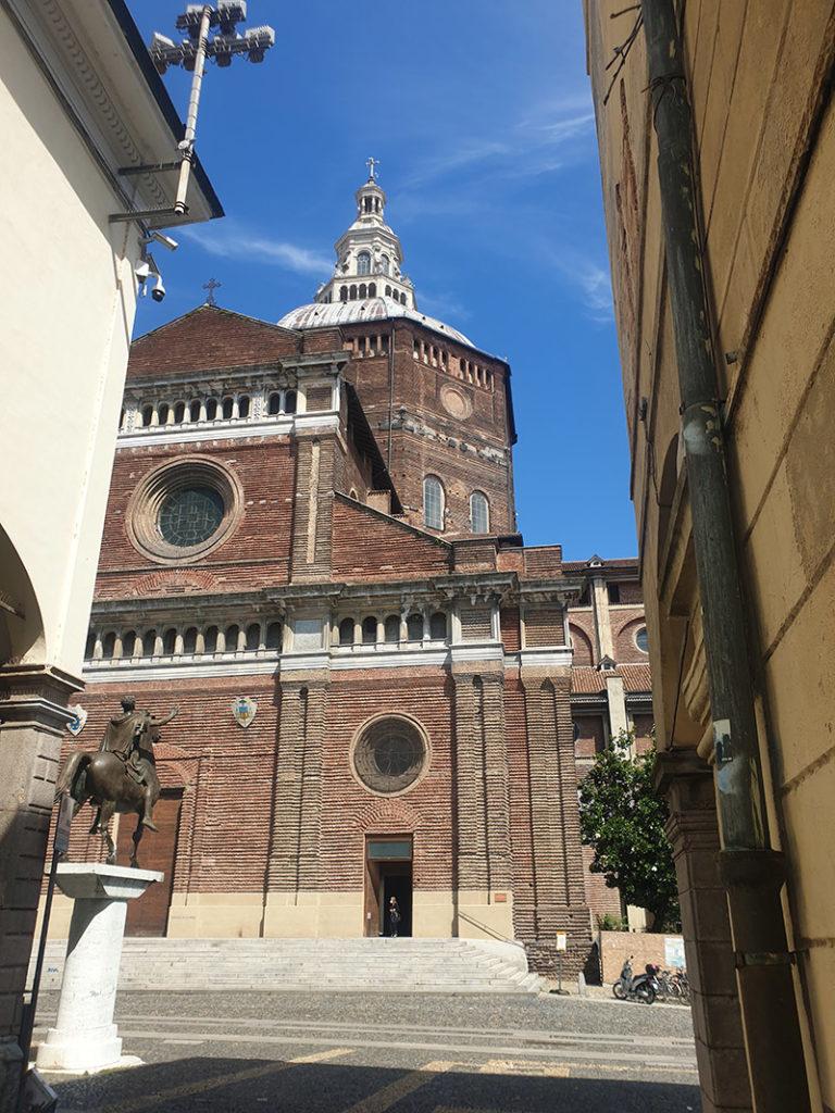 Den storslagene katedralen i Pavia, duomo di pavia