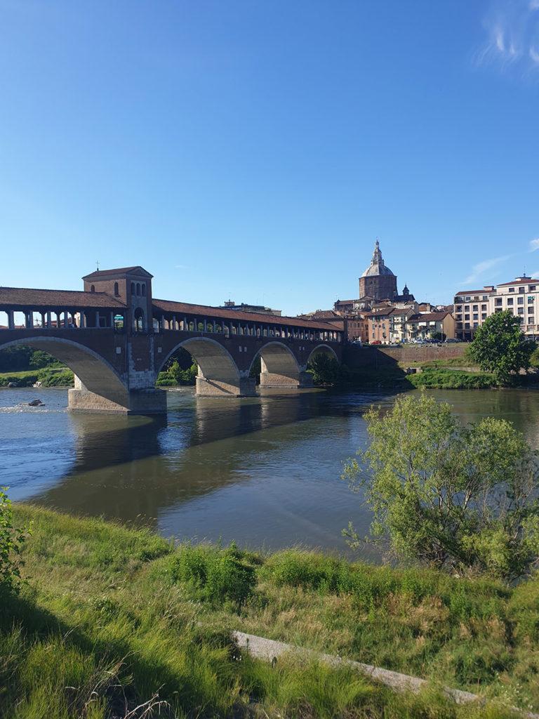 Ponte coperto i Pavia, vakker bro i italia