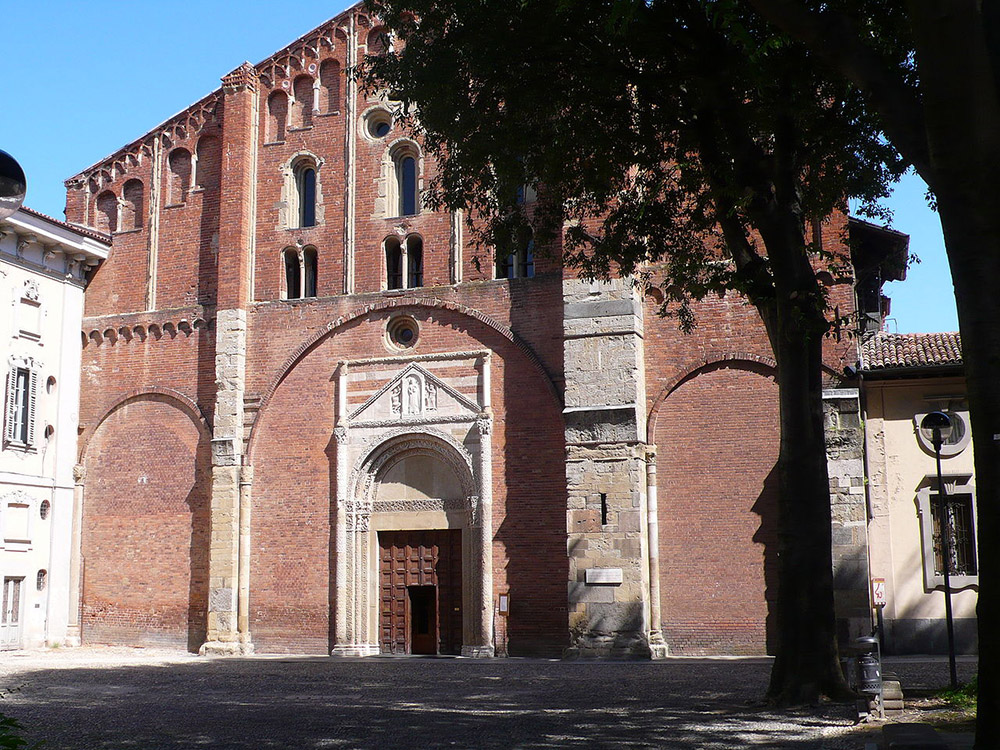 En gammel longobardisk kirke fra Italia, nesten 1500 år gammel kirke i italia, San Pietro in Ciel d'Oro